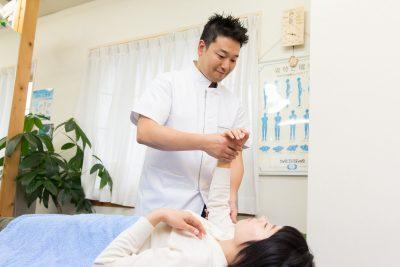 無痛ゆがみなおし整体でのゆがみの調整や、内臓や頭蓋骨の調整